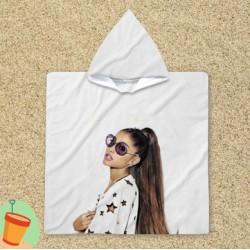 Poncho cu gluga Ariana Grande Star